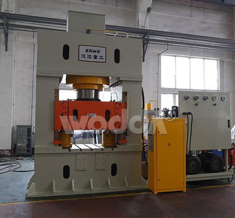 龙门框架导轨式液压机